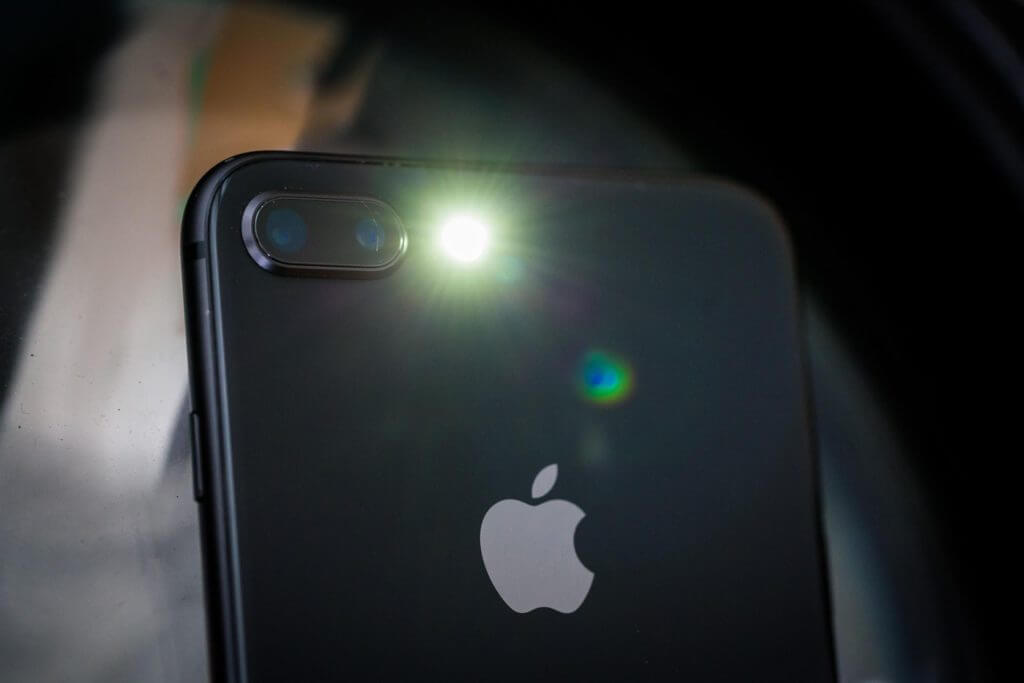 What To Do When iPhone Flashlight Won't Turn Off