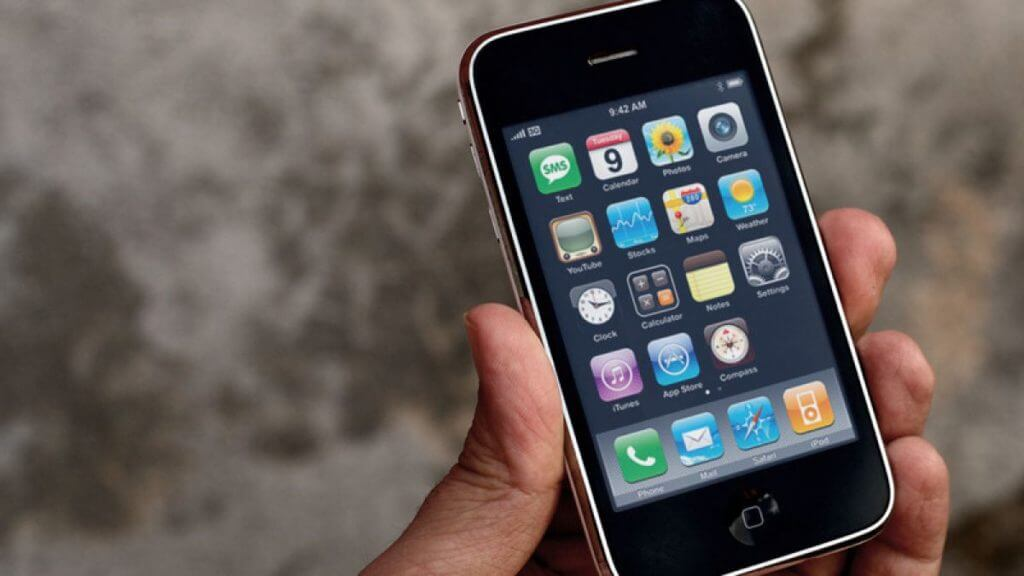 Where To Buy iPhone 3GS (And Is It Still Worth It?)