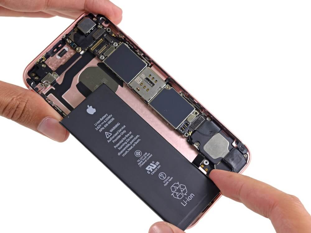 How To Replace iPhone Battery (A Complete Guide)