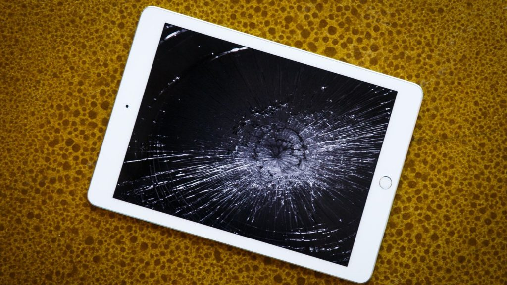 iPad Screen Replacement (How To Change Broken iPad Screen)