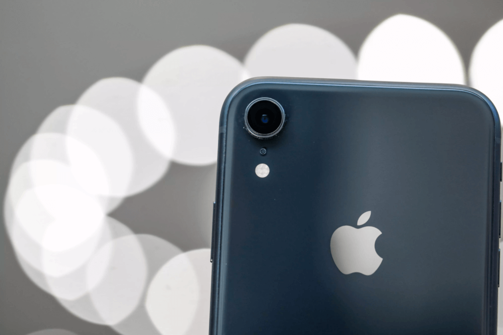6 Best lenses for iPhone XR: Wide, Fisheye, Macro and Many More
