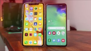 Apple's iPhone XR and Samsung's Galaxy S10e